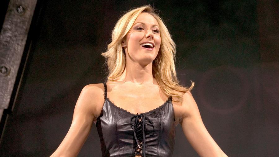 WWE এর সর্বকালের সেরা ১০ আবেদনময়ী নারী সেলিব্রিটি